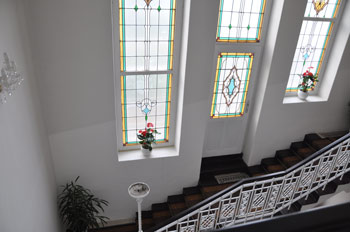 Velké schodiště přímo do vašeho apartmánu